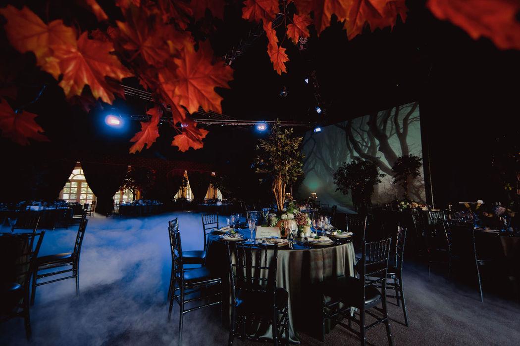 Динамический экране и оформление зала в стиле Midsummer night`s dream
