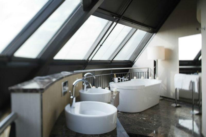 Beispiel: Impression Badezimmer, Foto: Mövenpick Hotel Hamburg.