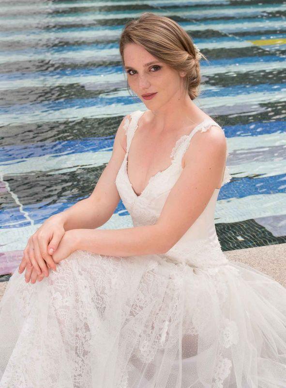 Beaumenay Joannet Paris - Robe de mariée dos nu en dentelle et tulle brillant