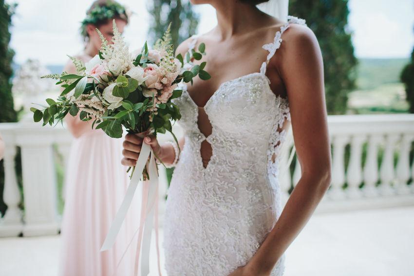 Traumhafte Toskana-Hochzeit in zarten Farben. Foto: Rutko Photographers