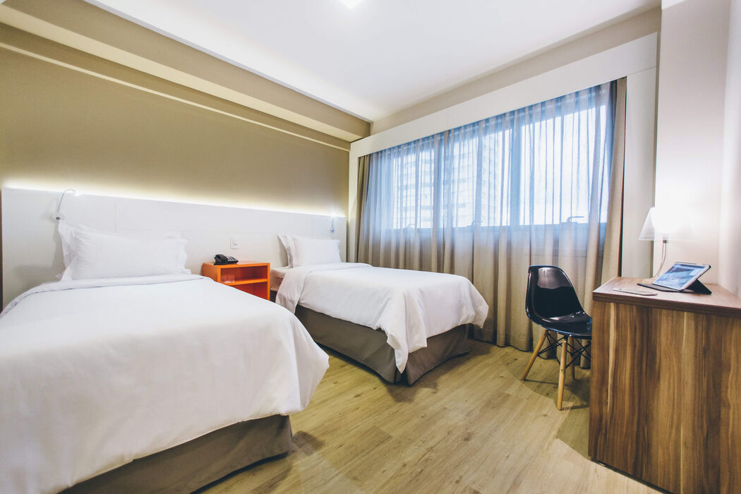 Hotel Intercity Curitiba