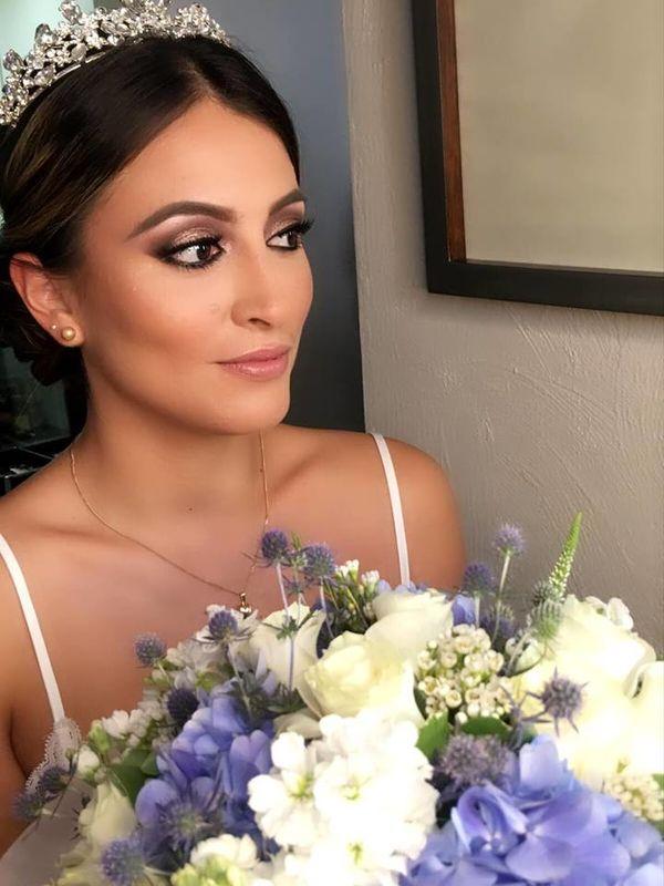 Elsa Julca Make Up
