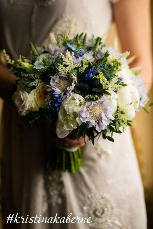 Сине-голубой букет невесты  Флорист Кристина Каберне