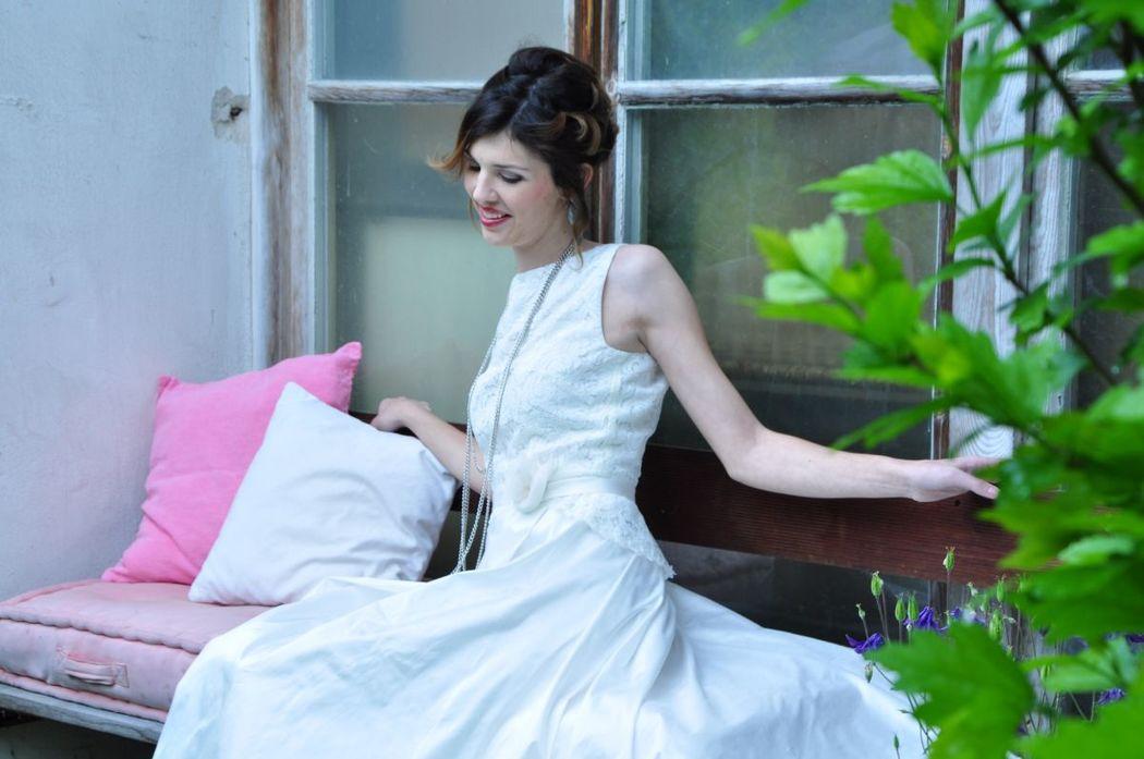 Beispiel: Brautkleid - Therese & Luise, Foto: La Promesse Braut- und Abendmode.