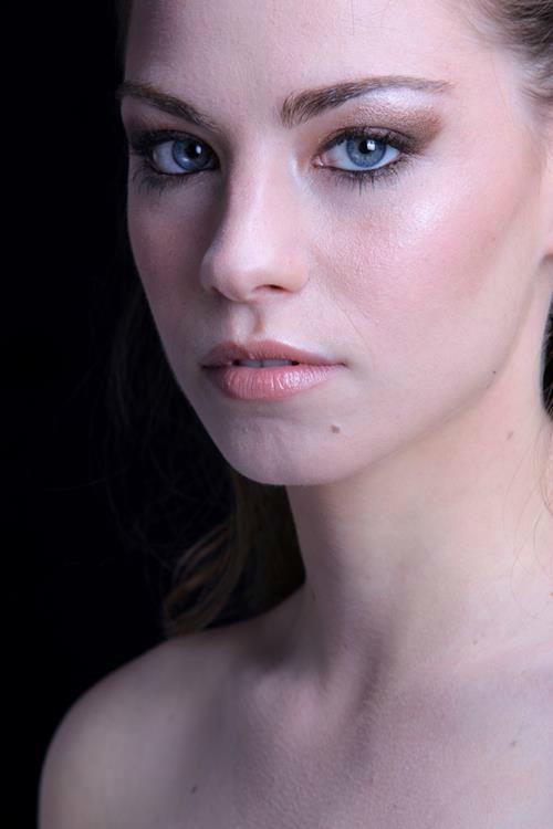 Valentina Vela Make Up Artist