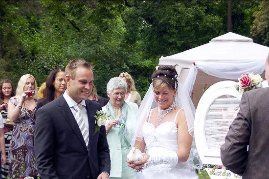 Beispiel: Brautpaar, Foto: Landhaus Hubertus.
