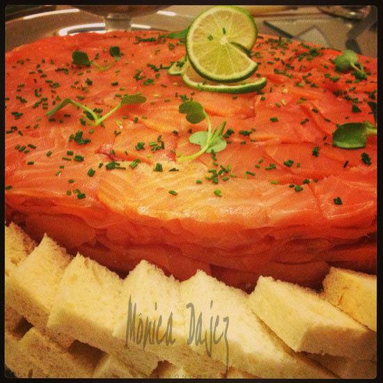 Gâteau de salmão defumado.