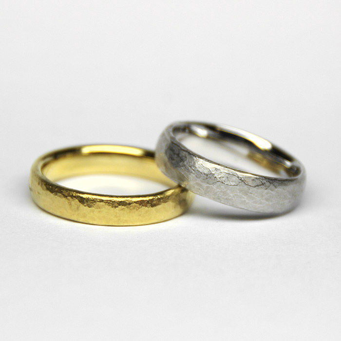 Beispiel: Trauringe in Gold und Silber, Foto: Jürgen Wiedemann.