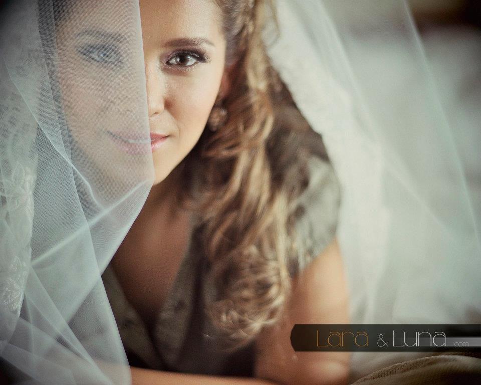Mayra, fotos de José Lara, maquillaje Ingrid Ackermann