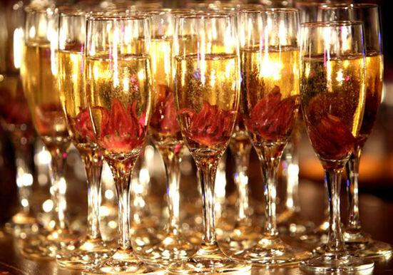 Champagne com fruta