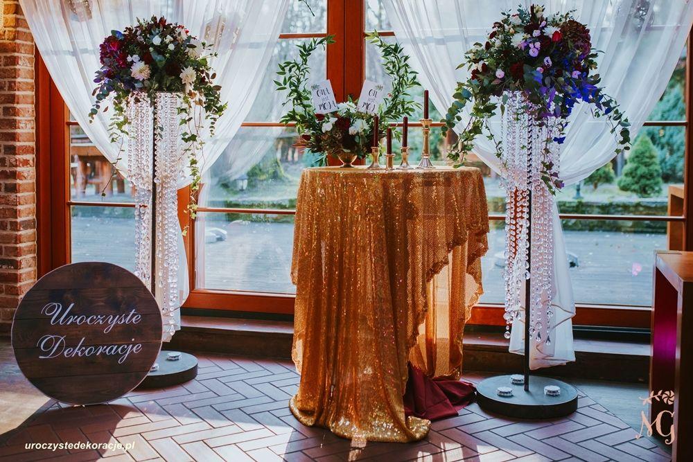 dekoracja wejścia na salę bukiety
