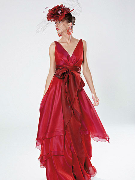 Beispiel: Ihr perfektes Outfit, Foto: Liluca Bern Festkleider.