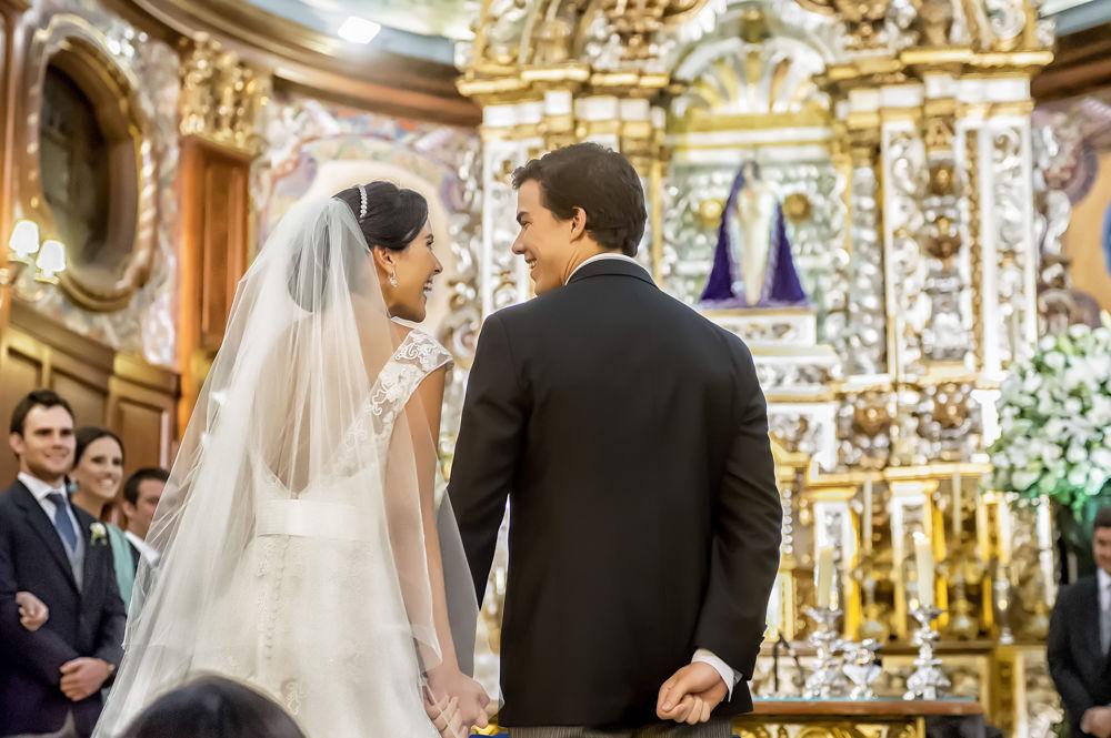 Foca • Casamento  na Igreja Nossa Senhora do Brasil