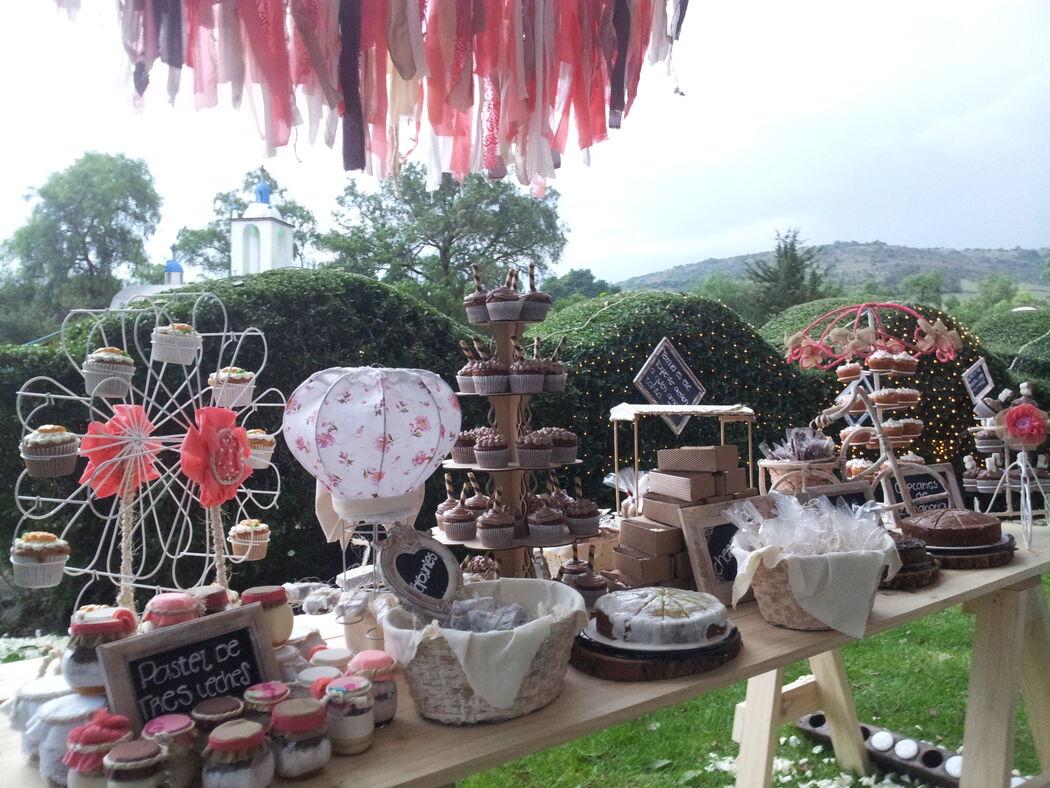 Mesas de dulces en jardines