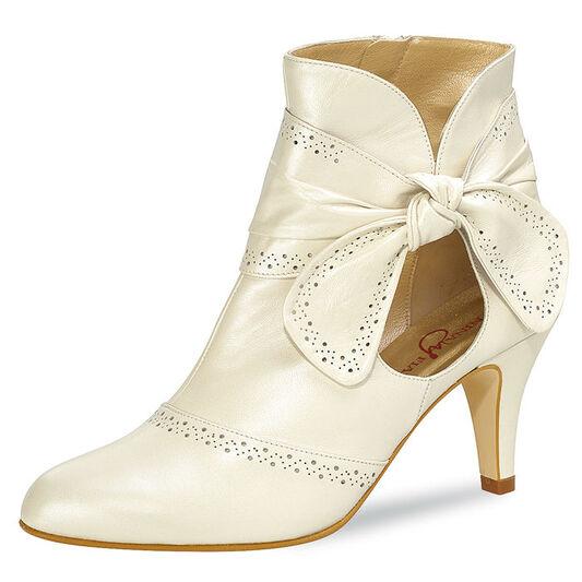 Beispiel: Schuhe für den schönsten Tag, Foto: Traumkleid Accessoires.