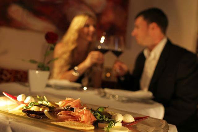 Beispiel: Essen für Zwei, Foto: Maiers Kuschelhotel Loipersdorf Deluxe.