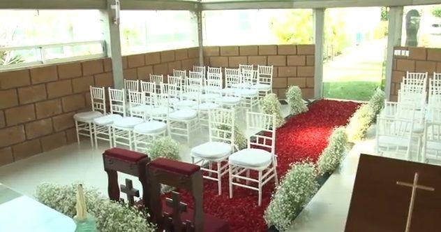 Montaje de la ceremonia en la capilla