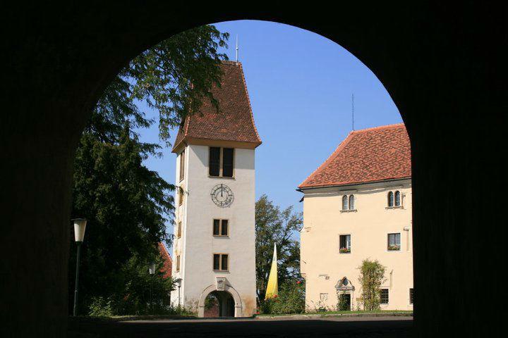 Beispiel: Uhrturm, Foto: Schloss Seggau.