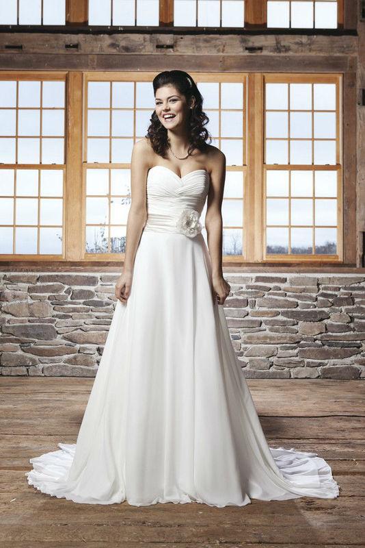 Beispiel: Wunderschönes Brautkleid, Foto: Da Vinci.