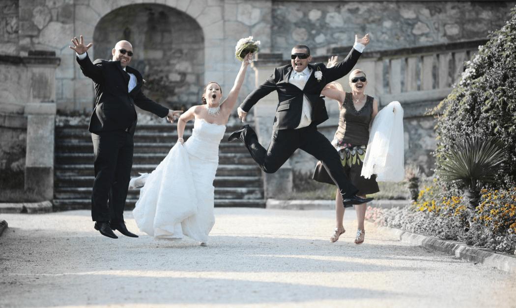 Beispiel: Kreative Hochzeitsfotos, Foto: Valphotography.