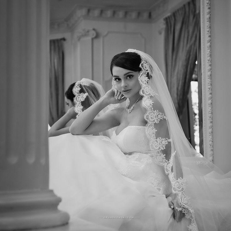 Zdjęcia ślubne w wnętrzach Hotel Bursztynowy Pałac