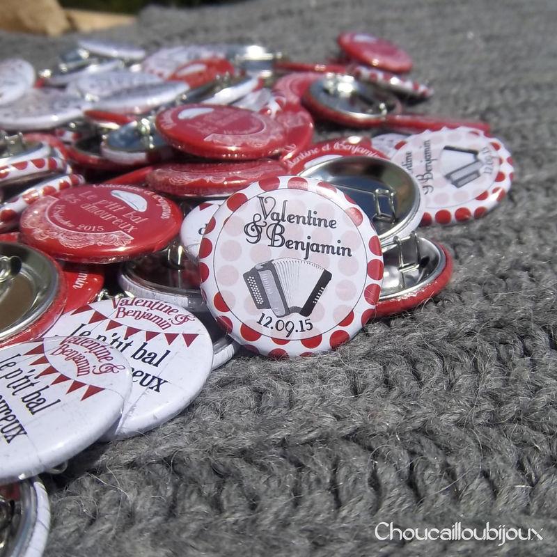 Choucailloubijoux - Badges Personnalisés {Valentine & Benjamin} Guinguette à Pois Accordéon, Bal, Fanions, Rouge, Swing