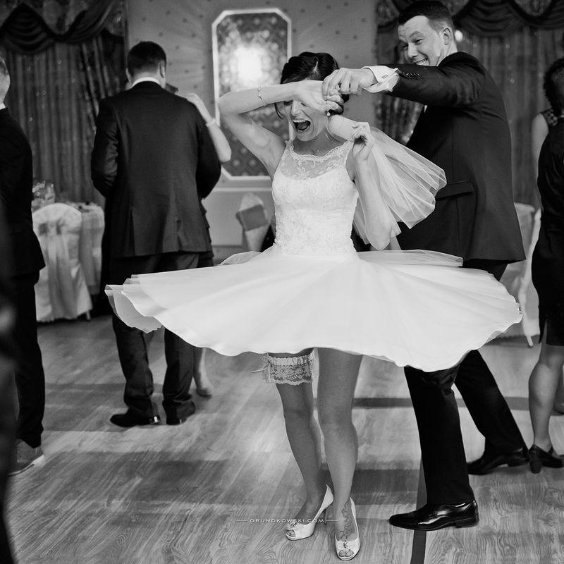 Kadr z fotoreportażu weselnego w Mielnie