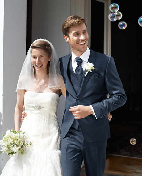 Beispiel: Hochzeitsanzug, Foto: Saturn Herrenmode.