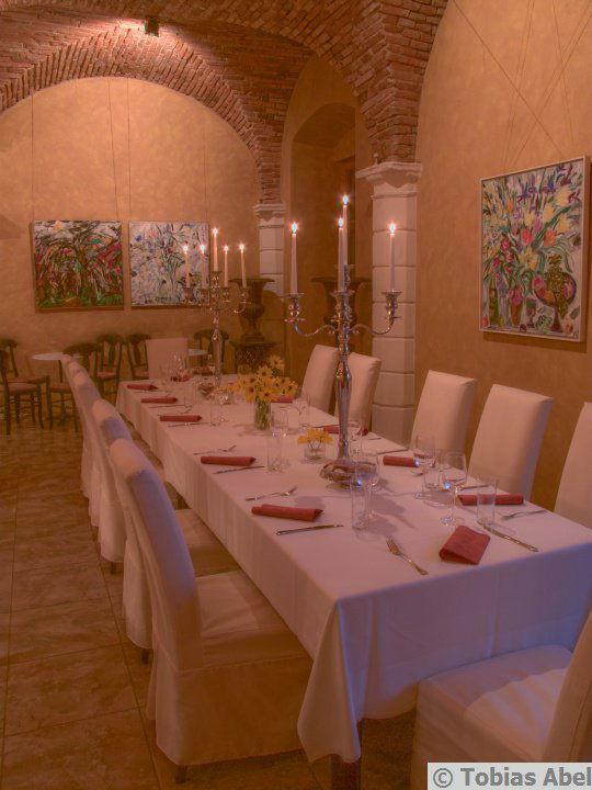 Beispiel: Saal für die Hochzeitsfeier, Foto: Tobias Abel.