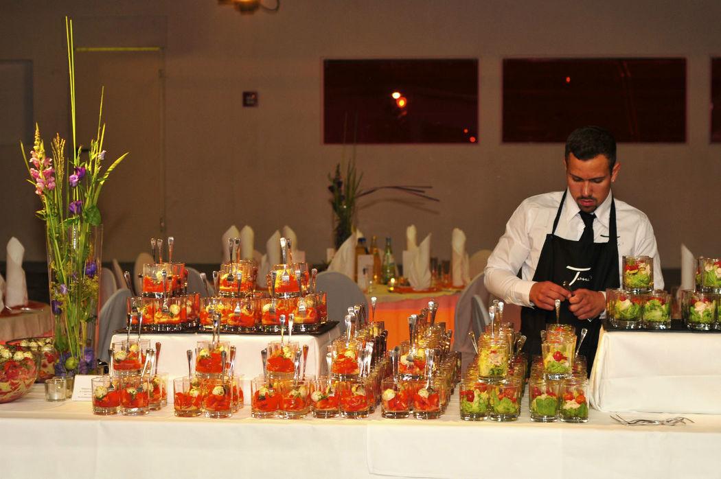 Beispiel: Buffet, Foto: Reinweiss Hochzeiten.