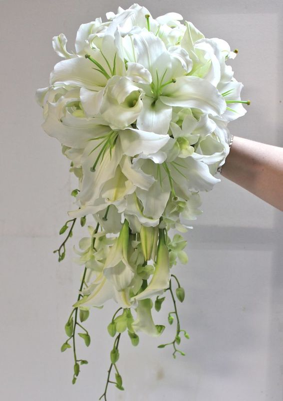Ramo Lilies