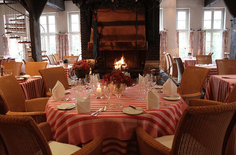 Beispiel: Restaurant-Kamin, Foto: Jürgenshof.