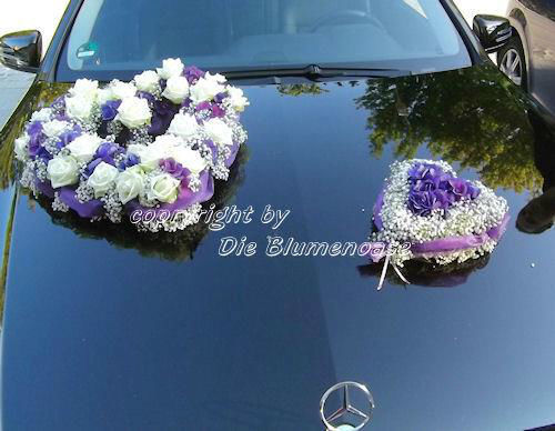 Beispiel: Florale Autodekoration, Foto: Die Blumenoase.