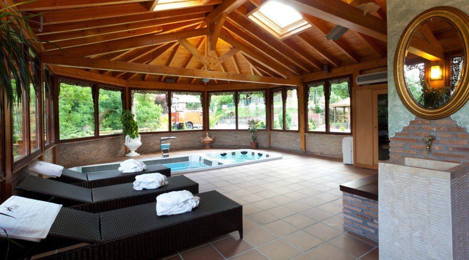 Logis Hotel & Spa Etxegana