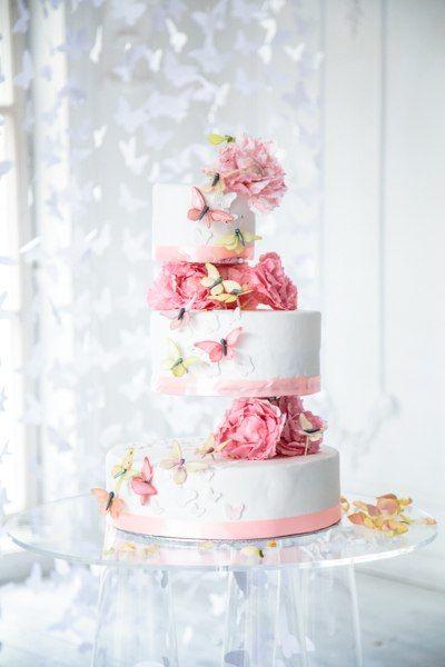 Шоу-торт с сахарными цветами