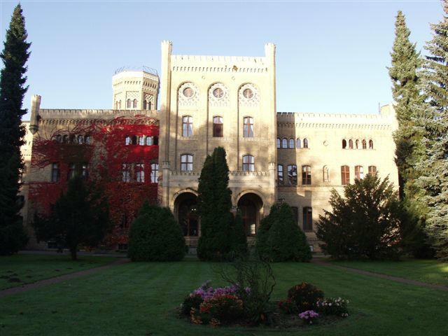 Beispiel: Schloss mit Gartenanlage, Foto: Schloss Neetzow.