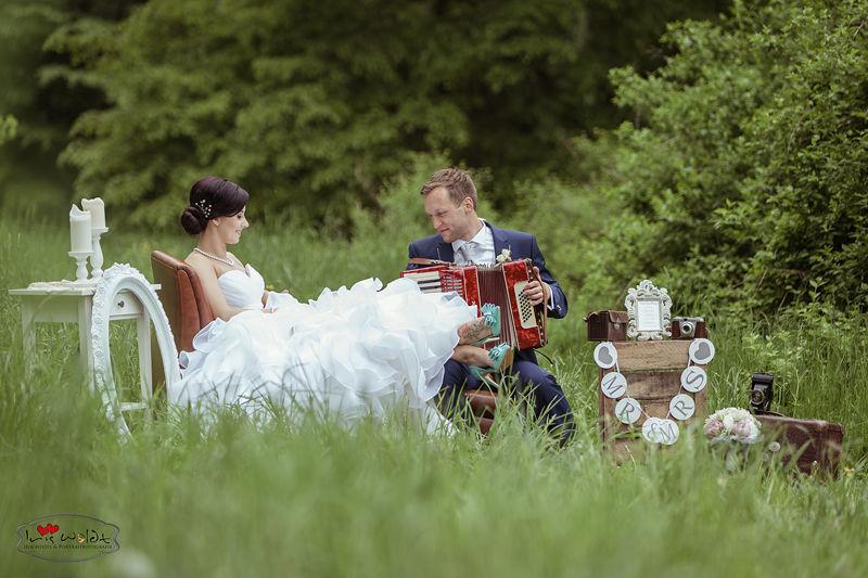 Hochzeitsreportage auf Schloss kröchlendorff, Vintage-Hochzeit Uckermark, einzigartige Hochzeitsfotografie, Hochzeitsfotograf deutschlandweit, exklusive Hochzeitsfotografie,