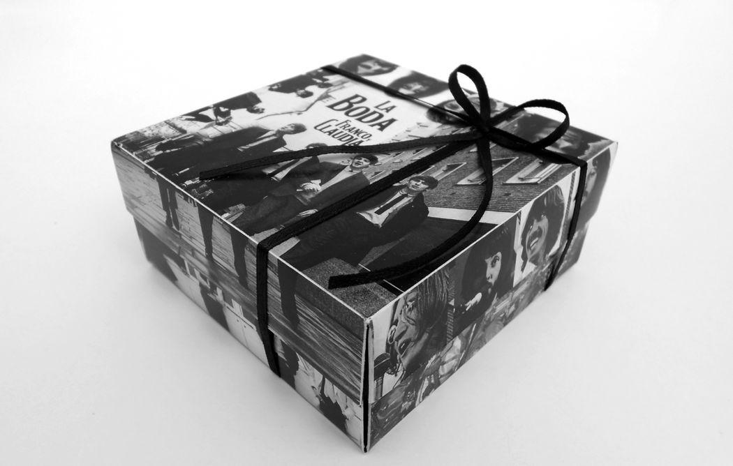 Invitaciones BOX  (grandes: 9,5 cm x9,5 cm)