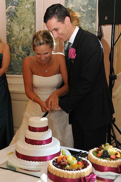 Beispiel: Anschneiden der Hochzeitstorte, Foto: Durchgeplant.