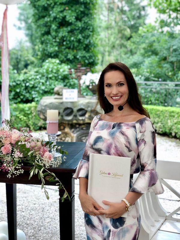 Int. Traurednerin & Hochzeitsmoderatorin Galina Kußmaul