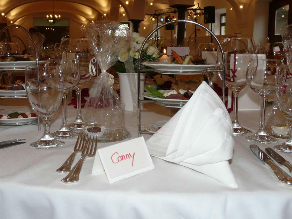 Beispiel: Hochzeitsgedeck, Foto: Feste Feiern.