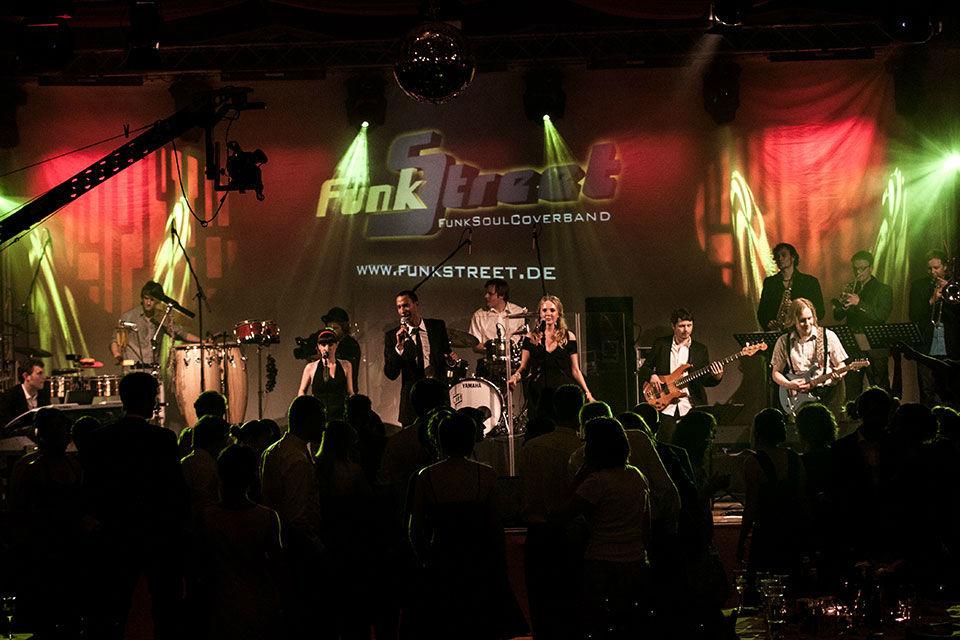 Beispiel: Live-Auftritt, Foto: Funk Street.