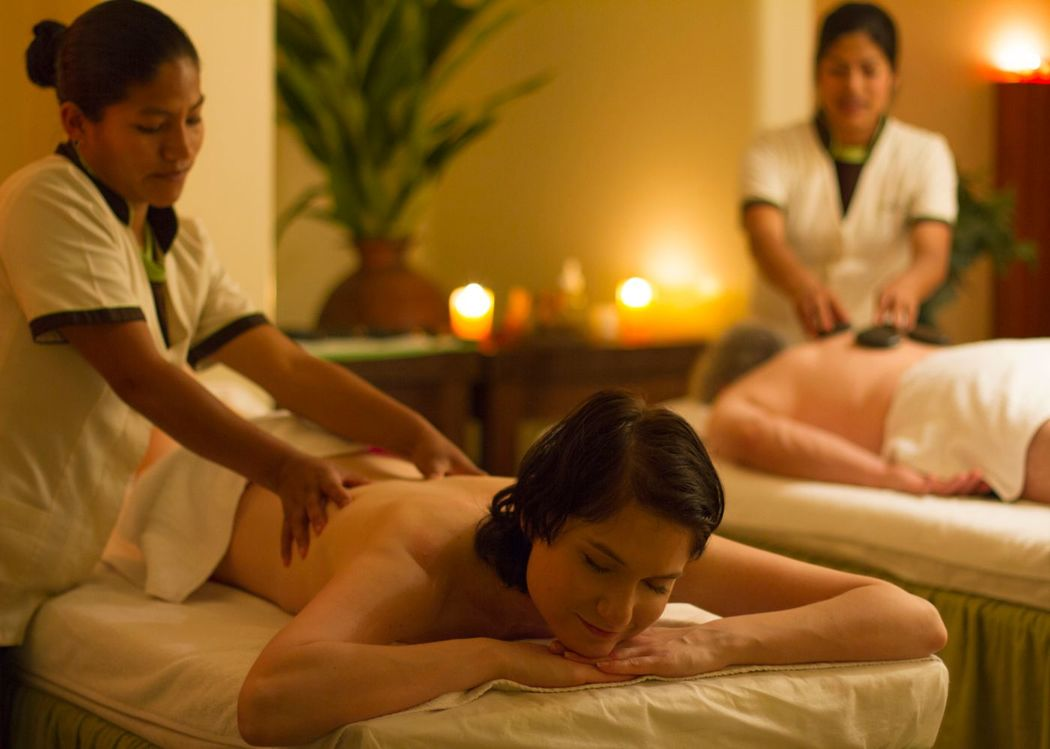 Sesión de masajes en pareja en Aqlla Spa. Sala privada para parejas.