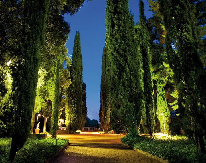 Jardín Rojo Masía Egara