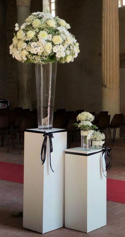 rossevents - cattedrale di Gerace, allestimento florale only white. Accessori white & black. AGOSTO 2016
