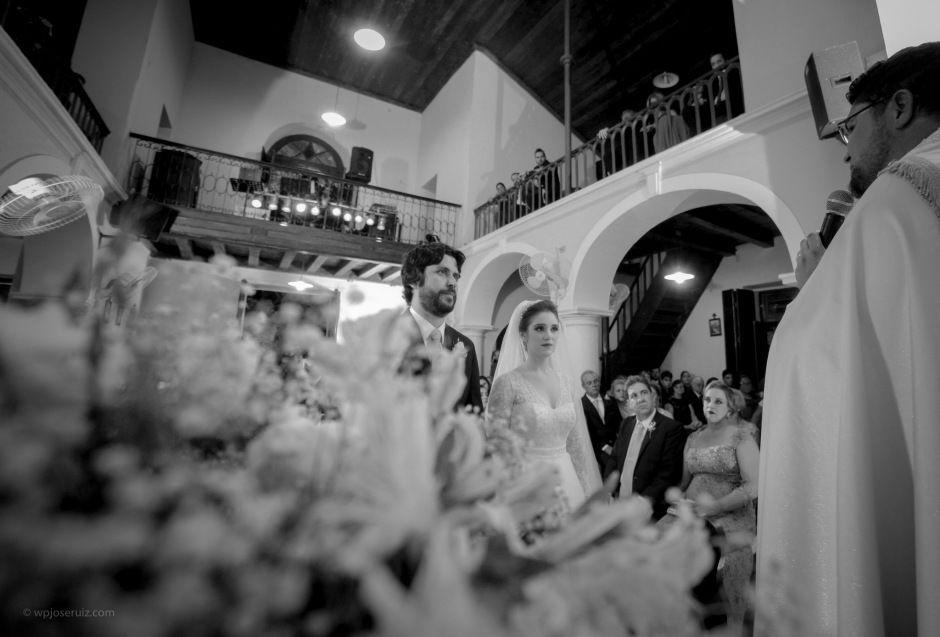 Momento de casal na igreja