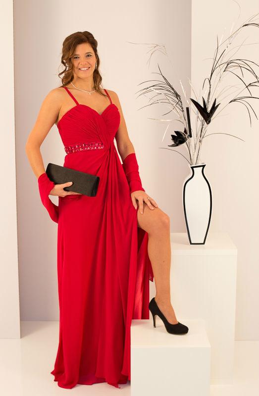 Beispiel: Mode für Hochzeitsgäste, Foto: Mode Wicky.