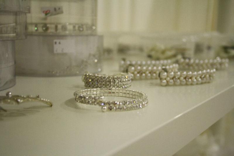 Beispiel: Schmuck und Accessoires für die Braut, Foto: K. For Bride.