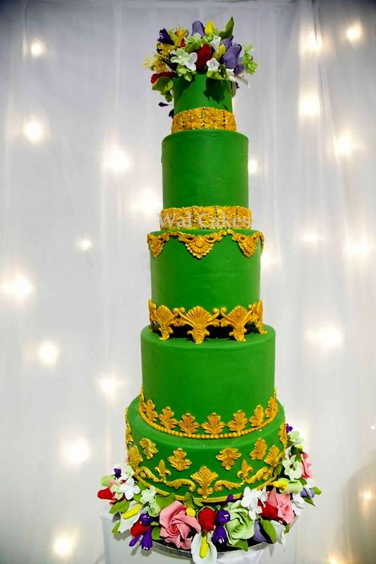 WEDDING CAKE ROYALE