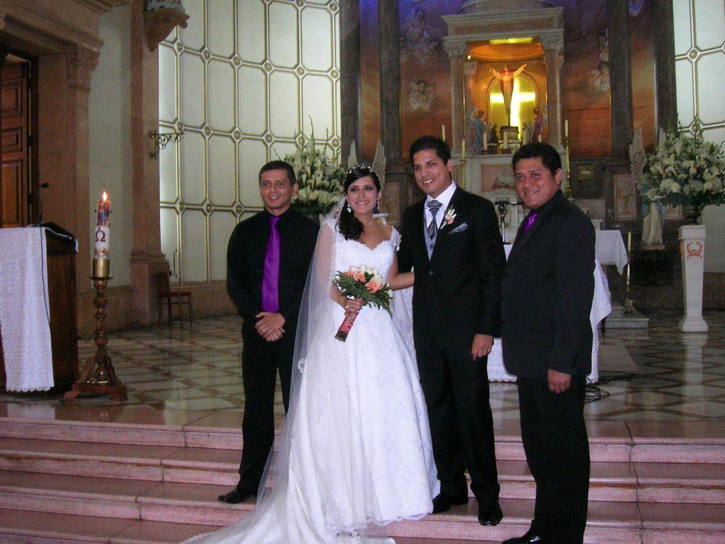 Matrimonio en Barranco, con los novios.